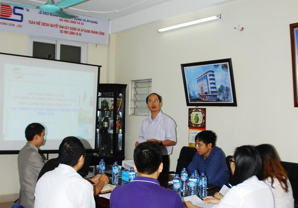 """01 TopMan Tu van ISO 5S Xay dung Dong Son 1024x715 Khởi động Dự án """"Xây dựng, áp dụng Hệ thống quản lý chất lượng ISO 9001 & 5S"""" tại Công ty CP Xây dựng và TM Đông Sơn"""