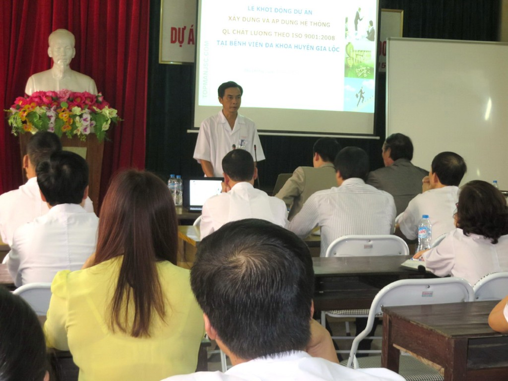 02 Benh vien Gia Loc ap dung ISO TopMan 1024x768 Bệnh viện Đa khoa Gia Lộc khởi động dự án xây dựng và áp dụng ISO 9001:2008