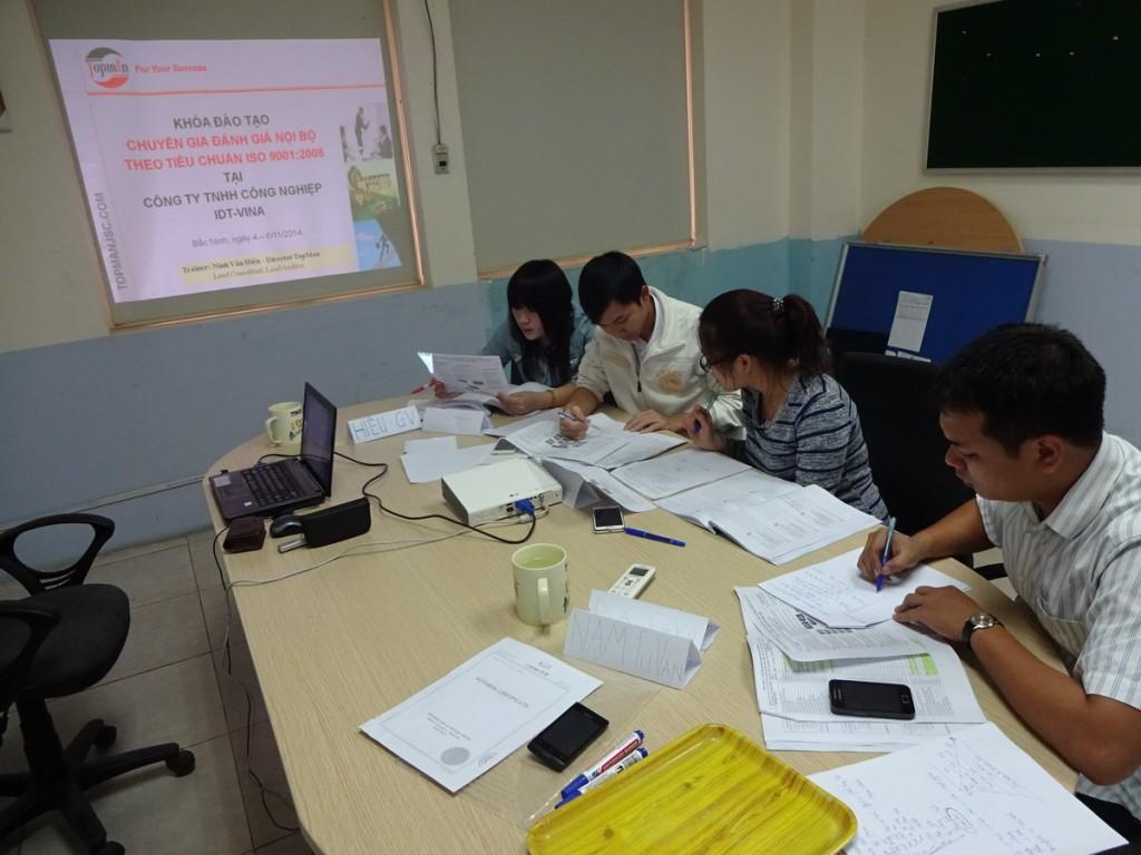 dao tao chuyen gia danh gia noi bo ISO 9001 TopMan 5 1024x768 Đào tạo chuyên gia đánh giá nội bộ theo ISO 9001:2008 tại Công ty IDT   Vina
